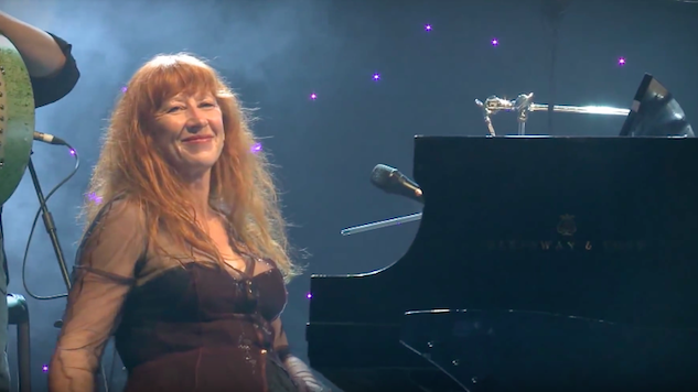Loreena McKennitt Says She's Leaving Facebook