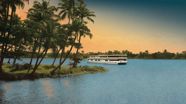 Jet-Set Bohemian: Houseboat Hotels