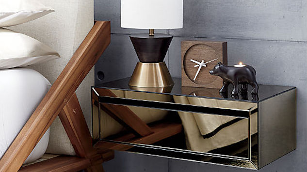 Mirrored Home Goods that Look Tres Chic