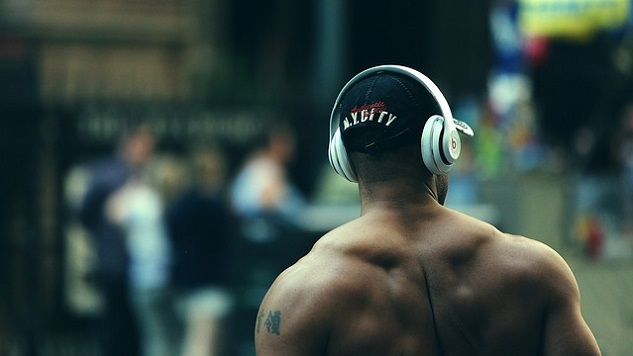 A New Study Shows Listening to Music Could Help Physical Therapy Patients