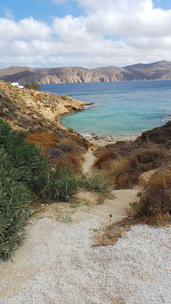 mykonos_12_kikis_beach.jpg