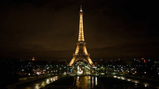 Paris Is Putting a Bulletproof Wall around the Eiffel Tower