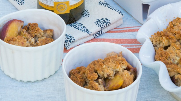 Booze in the Kitchen: How to Make Chardonnay Peach Crumble
