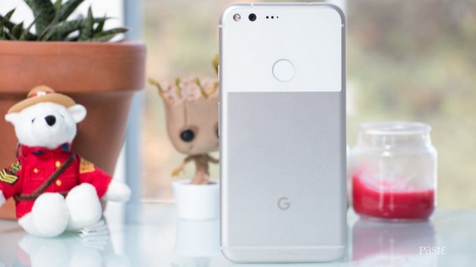 Pixel XL Hands-On: Day One with Google's First Smartphone