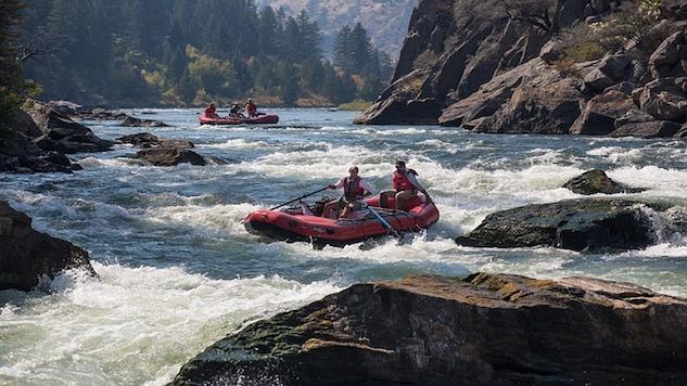 rafting-883523_640.jpg