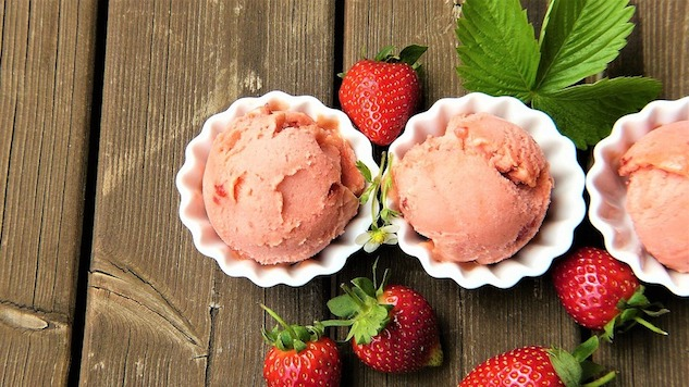How to Make Rosé Flavored Ice Cream