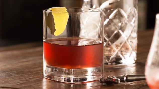Screw the Old Fashioned, Order a Sazerac Instead