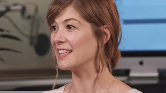 Watch Rosamund Pike Narrate <i>Sense and Sensibility</i> in an Exclusive Behind-the-Scenes Video