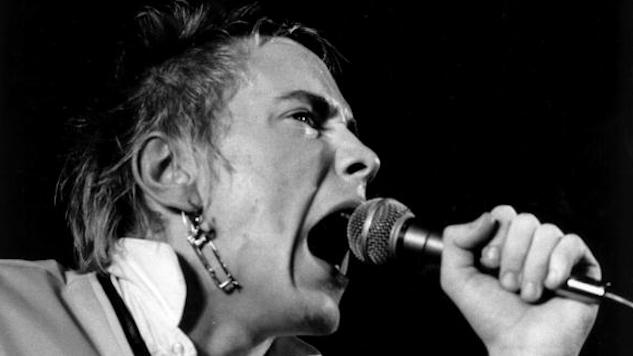 Watch The Sex Pistols Play Last Show of U.S. Tour on This Day in 1978, Days Before Splitting