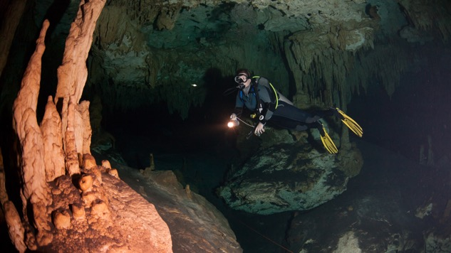 <i>de</i>Generation X: Cave Diving in the Riviera Maya