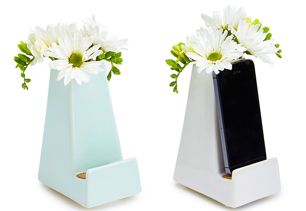 Tech Savvy Gifts mother's day gift guide: 10 gifts for the tech-savvy mom :: tech