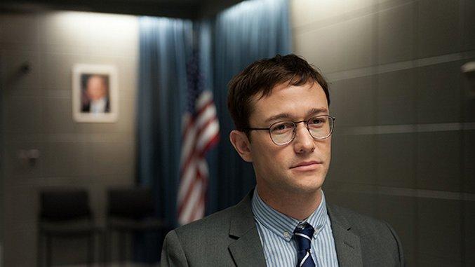 <i>Snowden</i>