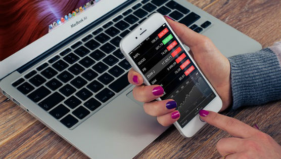 10 Essential Stock Market Apps For Staying Up To Date