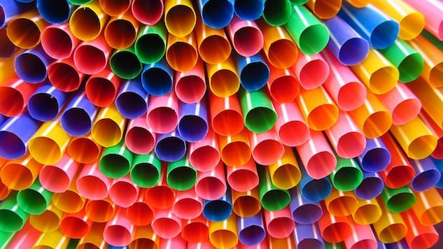 6 Alternatives to Plastic Straws