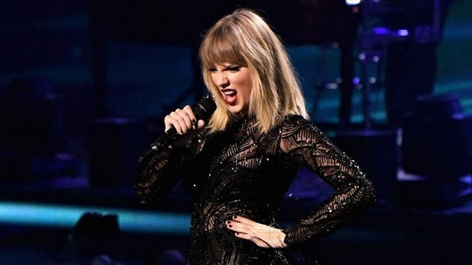 The Funniest Taylor Swift Tweets and Memes