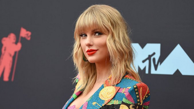 Taylor Swift Announces Surprise Disney+ Documentary <i>folklore: the long pond studio session</i>