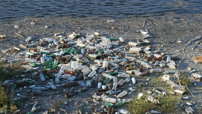 Could Drifting Trash Collectors be the Solution to Our Oceanic Plastic Problem?