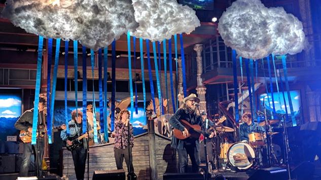 "Watch Jeff Tweedy Perform New Single ""Let's Go Rain"" on <i>Colbert</i>"