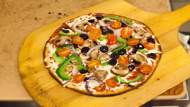 10 National Pizza Chains Where You Can Score a Vegan Pie