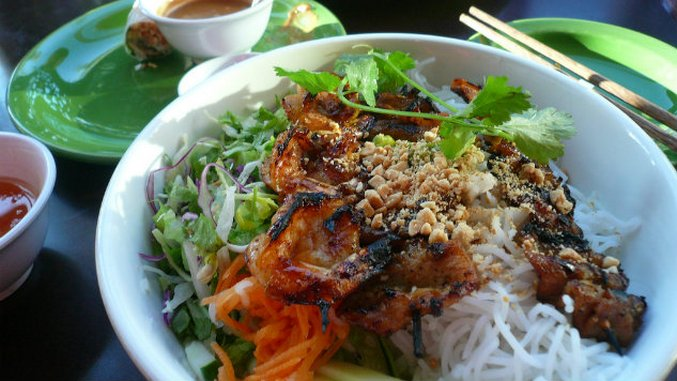 5 Wines to Pair with Classic Vietnamese Dishes