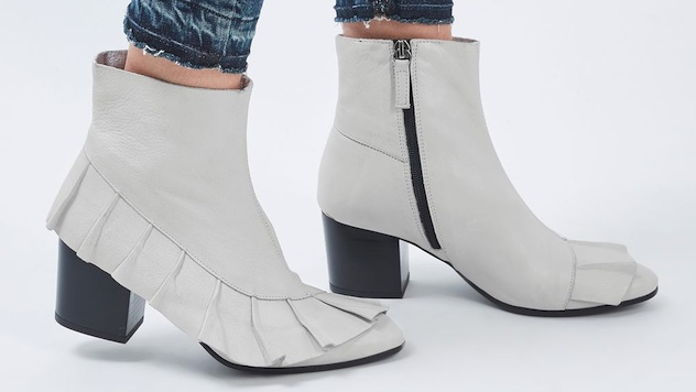 White Boots That Will Earn You Lots of Attention