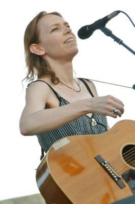 gillian_welch_sfb_live.jpg