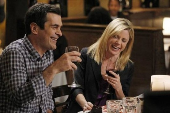"""<i>Modern Family</i> Review: """"Aunt Mommy"""" (Episode 3.15)"""