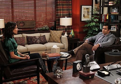 """<i>How I Met Your Mother</i> Review: """"The Stinson Missile Crisis"""" (Episode 7.04)"""