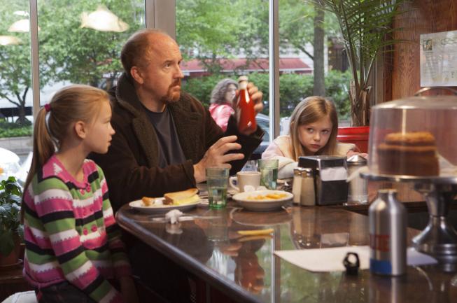 "<em>Louie</em>: ""Daddy's Girlfriend Part 1"" (3.4)"