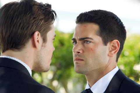 """<i>Dallas</i> Review: """"Changing of the Guard"""" (Episode 1.01)"""