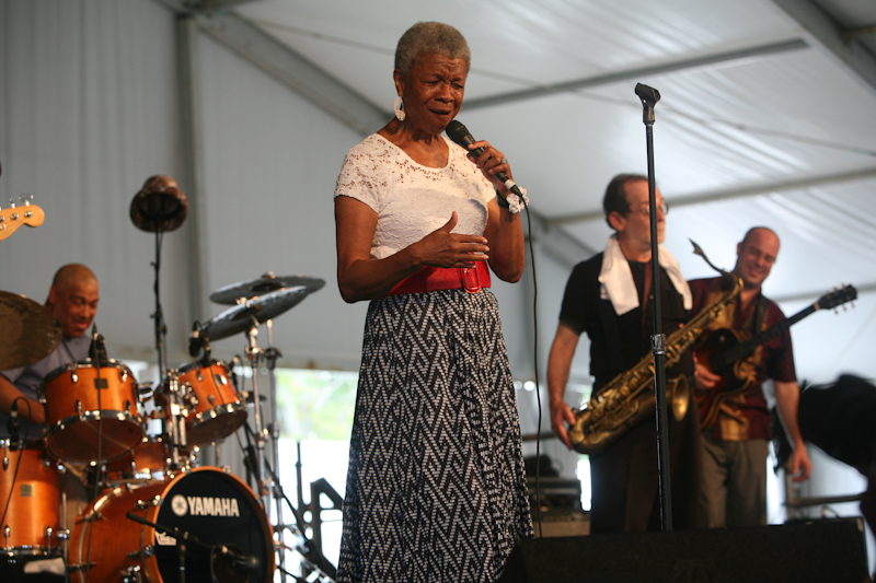 2012-jazzfest-weekend-two photo_15588_0-5