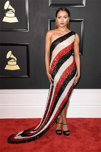 2017-grammy-fashions gettyimages-634966868