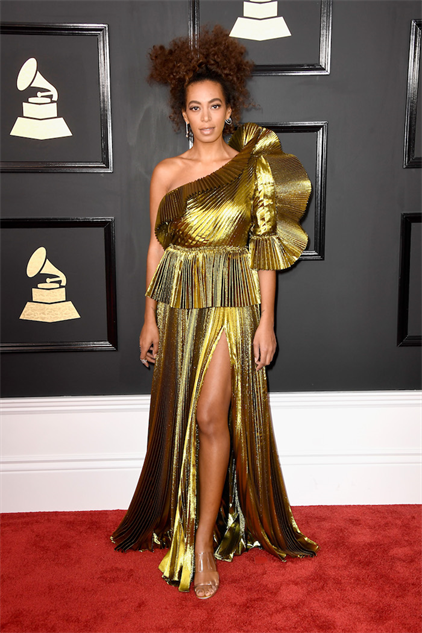 2017-grammy-fashions gettyimages-634975432