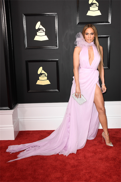 2017-grammy-fashions gettyimages-634984688