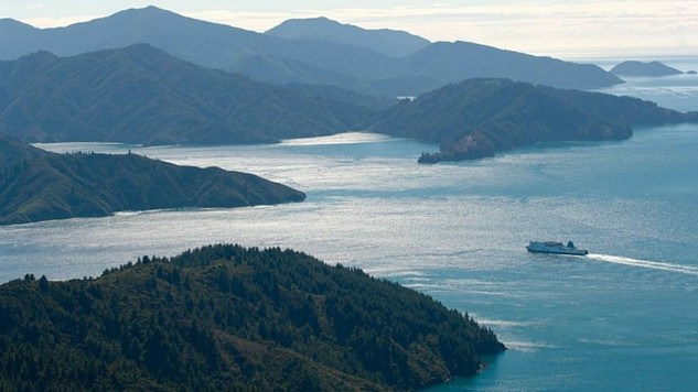 5-lazy-ways-to-see-new-zealands-natural-beauty thumbnail-ferrycourtesy-interislander-ferry