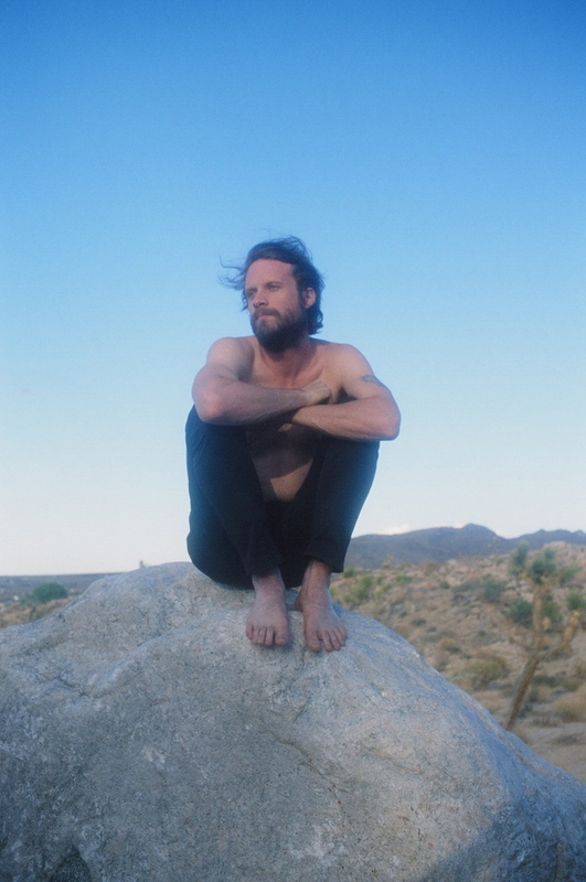 a-day-in-the-life-of-father-john-misty photo_31426_1