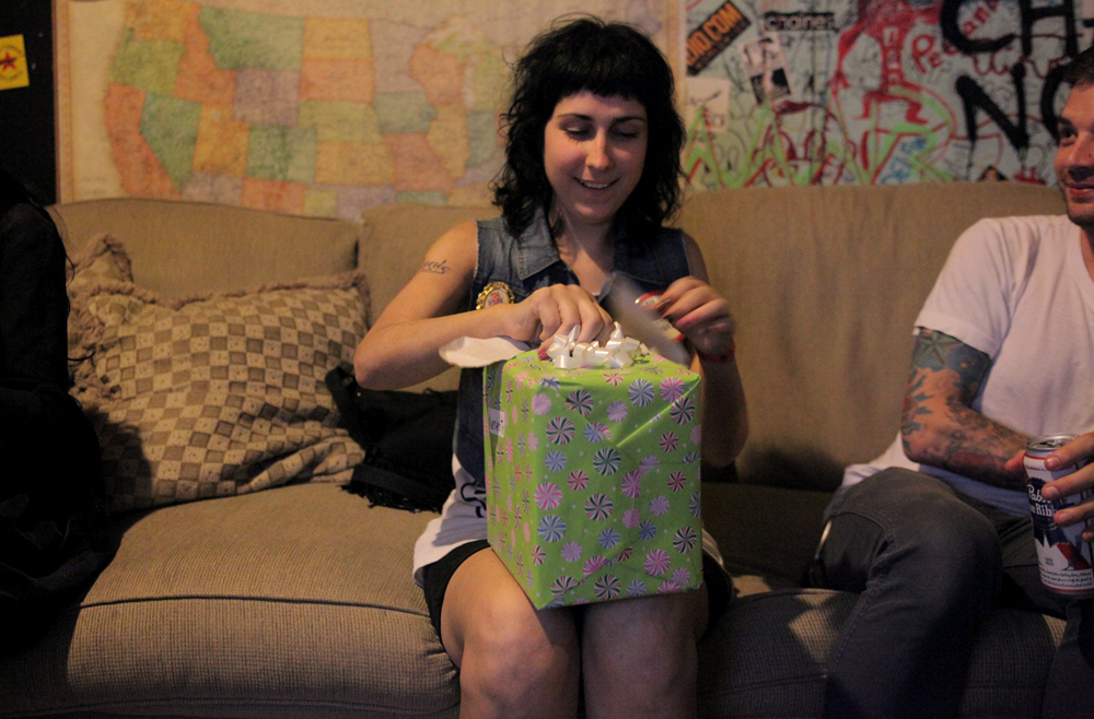 a-day-in-the-life-of-the-coathangers photo_5874_0-2