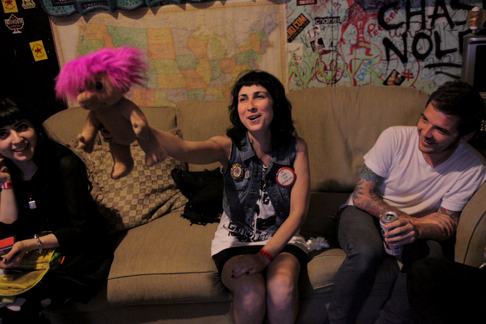 a-day-in-the-life-of-the-coathangers photo_5874_0-3