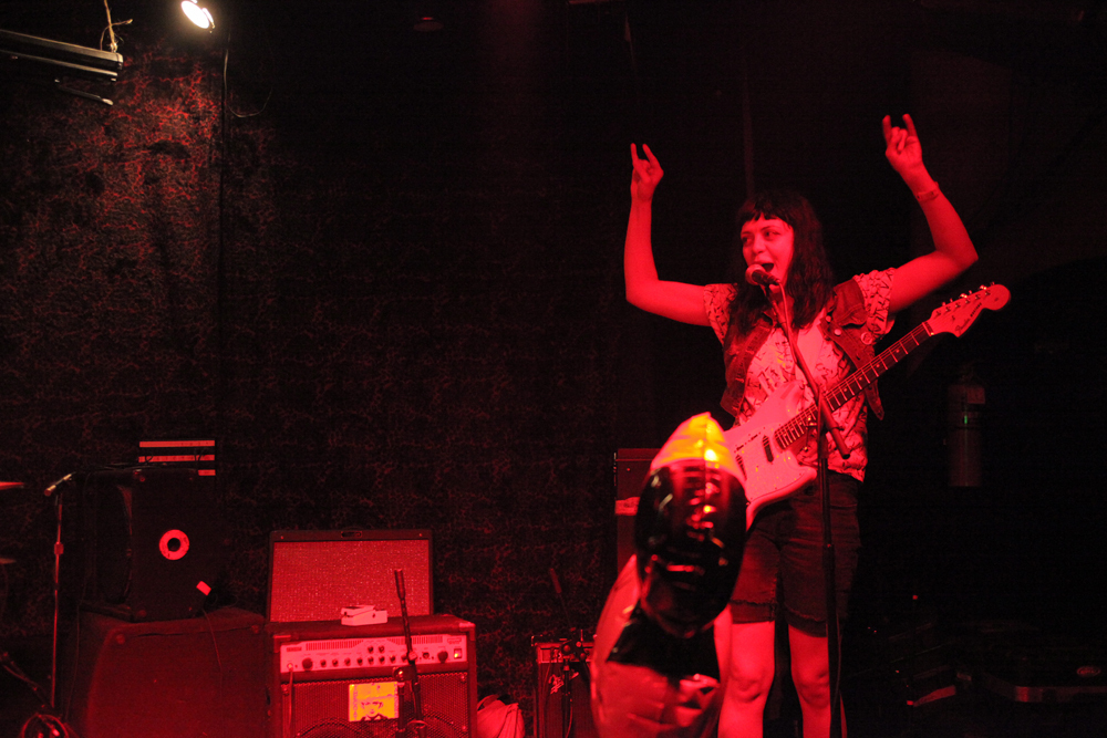 a-day-in-the-life-of-the-coathangers photo_5882_0-2