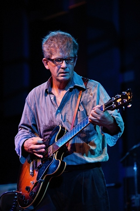 a-day-in-the-life-of-the-feelies photo_11415_0-3