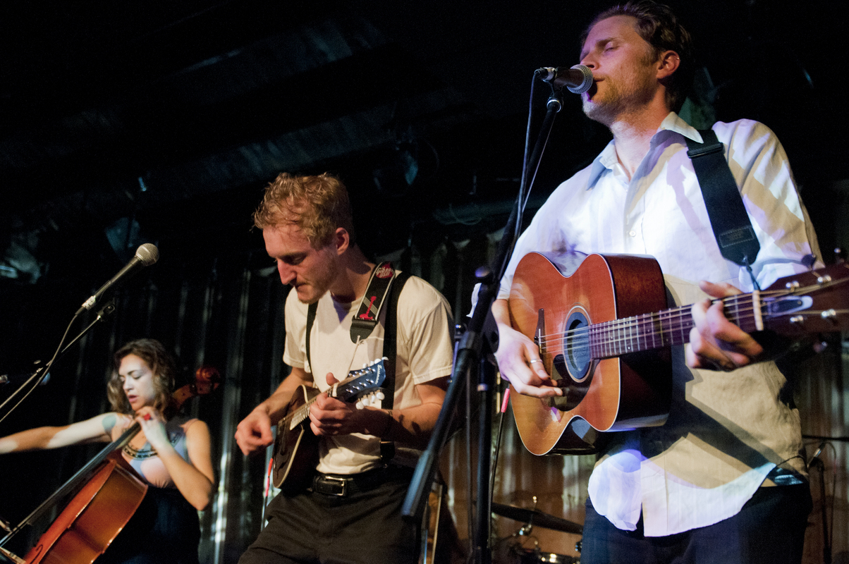 a-day-in-the-life-of-the-lumineers photo_13378_0-3