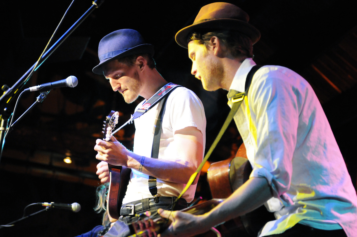 a-day-in-the-life-of-the-lumineers photo_14658_0-6