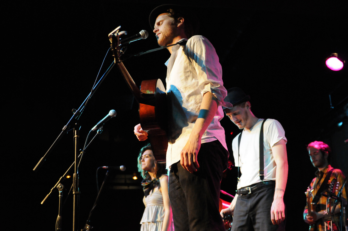 a-day-in-the-life-of-the-lumineers photo_14658_0-8
