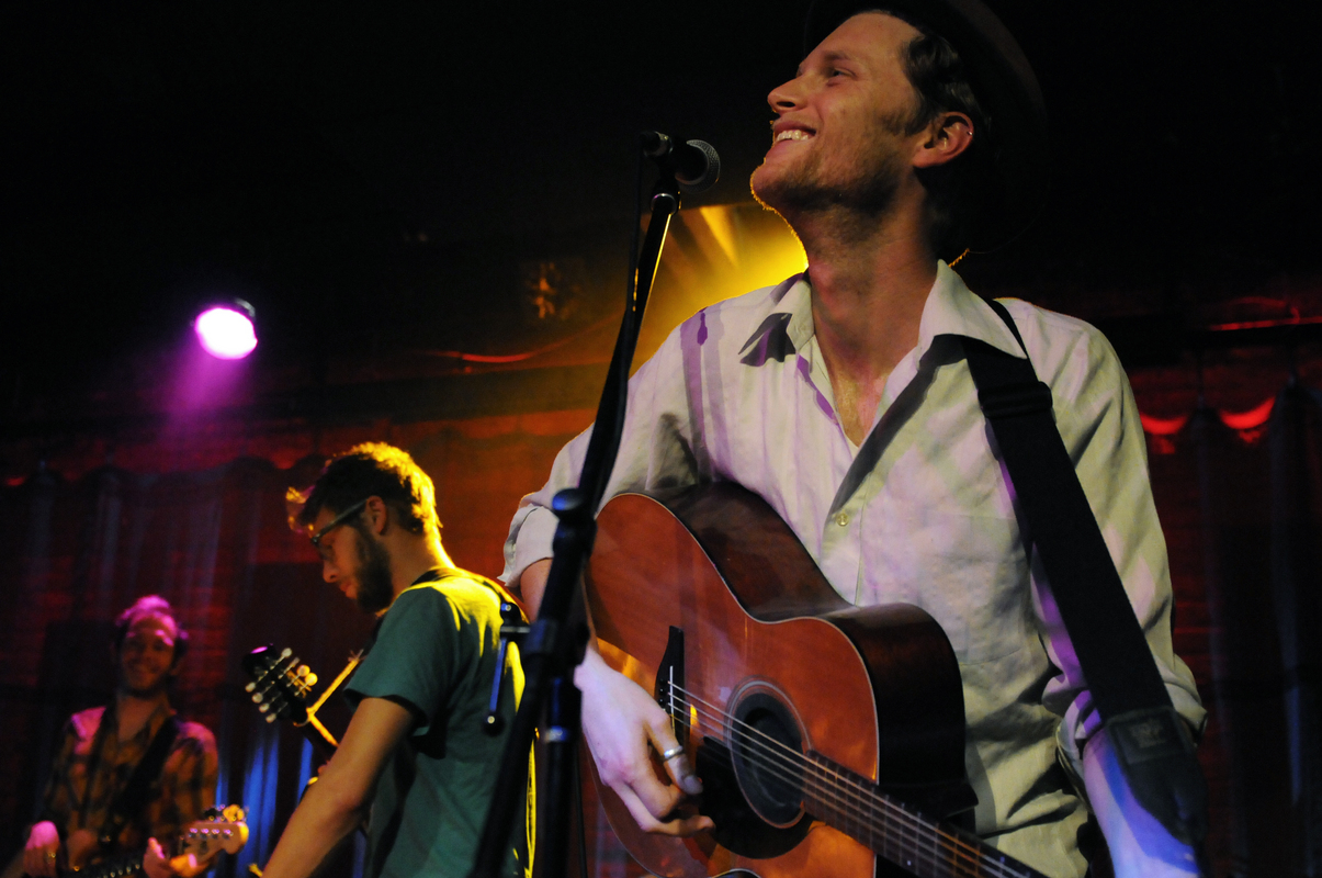 a-day-in-the-life-of-the-lumineers photo_31098_0-10
