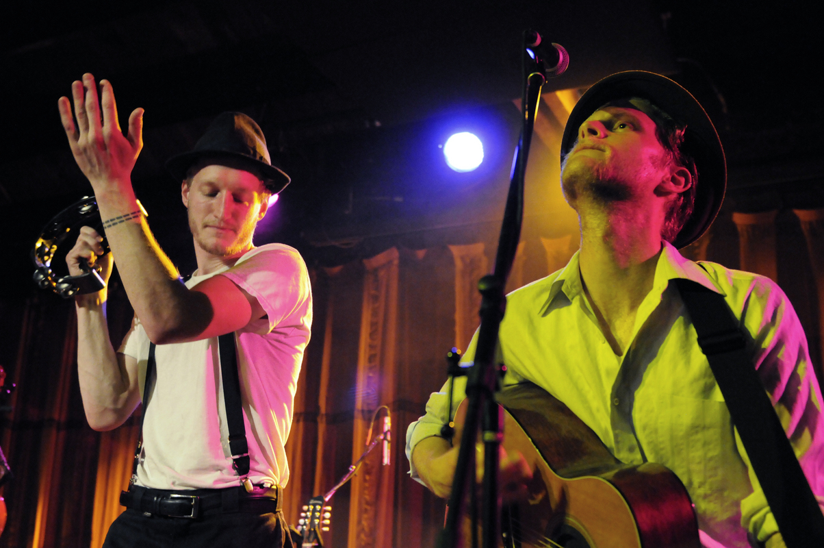 a-day-in-the-life-of-the-lumineers photo_31101_0-8