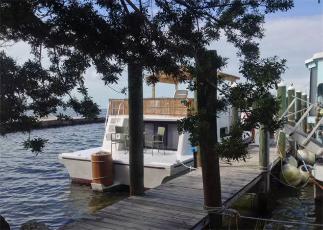 airbnb-houseboats key-largo-boot