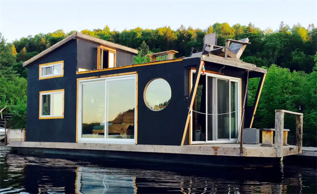 airbnb-houseboats the-river-den