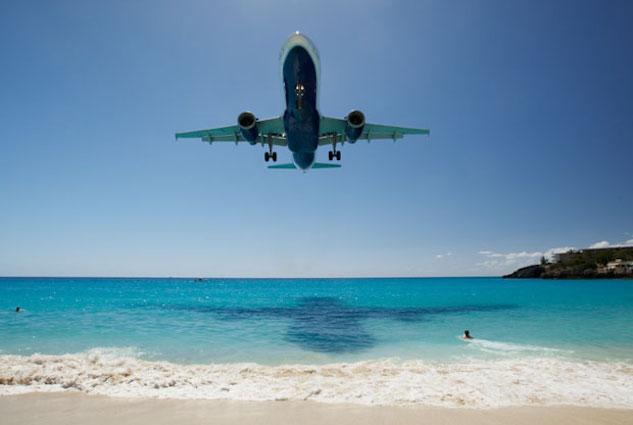 airport-landing st-maarten-airport