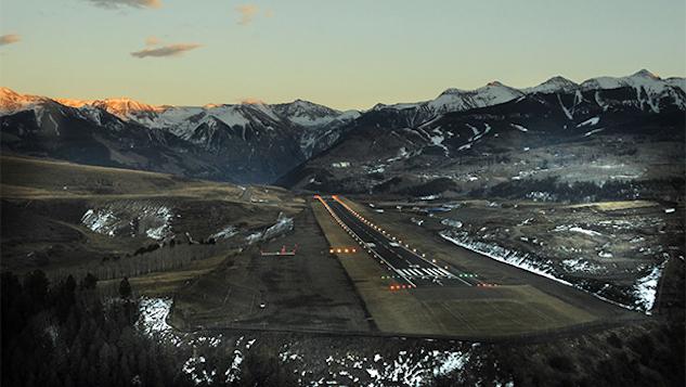 airport-landing telluride