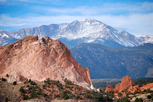 americana-southwest pikes-peak-from-garden-of-the-gods